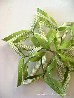 DIY: Paper snowflakes!