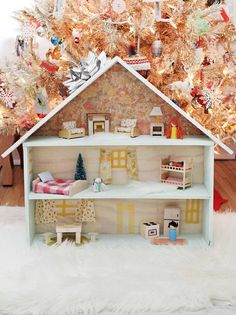 Einfaches Puppenhaus aus drei Etagen