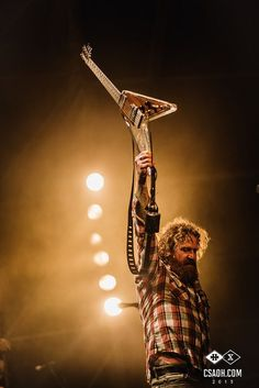 Brent Hinds of Mastodon - Hellfest 2015 . Music Pics, Music Stuff, New Bands, Cool Bands, Prs Guitar, Guitars, Easy Listening Music, Guitar Photography, Musica
