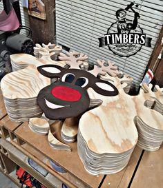 Wooden door hangers diy cut outs christmas ornament 69 ideas for 2019 Painted Doors, Wooden Doors, Wood Reindeer, Reindeer Head, Wood Craft Supplies, Pumpkin Door Hanger, Burlap Door Hangers, Wooden Cutouts, Wood Bird