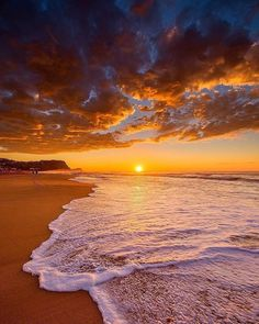 Sunset is the sunset in the afternoon. That time is beautiful scenery. We will present an article about sunset quotes love. Sunset Pictures, Beach Pictures, Nature Pictures, Nature Images, Pictures Images, Cool Pictures, Natur Wallpaper, Sunset Wallpaper, Beautiful Nature Wallpaper