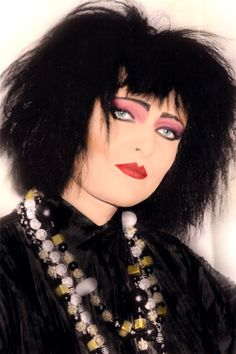 I finally colorized this beautiful pic of Siouxsie ❤️