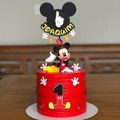 Gateau Theme Mickey, Cupcakes Mickey, Mickey Mouse Birthday Decorations, Mickey Mouse Clubhouse Cake, Baby First Birthday Cake, Minnie Y Mickey Mouse, Mickey 1st Birthdays, Fiesta Mickey Mouse, Minnie Mouse Birthday Cakes