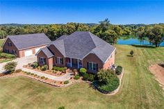 2457 Lakeshore Dr, Spring Hill, TN 37174