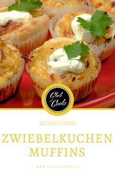 Diese Zwiebelkuchen Muffins mit Zwiebeln, Speck und saurer Sahne sind der Hit bei jedem Frühstück oder Brunch!