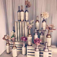 ▷ 1001 + idées de plan de table original pour votre mariage - Expolore the best and the special ideas about Thirty one party Wedding Centerpieces, Wedding Table, Wedding Decorations, Wedding Wine Theme, Centrepieces, Seating Chart Wedding, Seating Charts, 40 Diy Gifts, Handmade Gifts