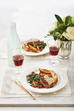Filets Mignons with Brandy Cream Sauce - Canadian Living Brandy Cream Sauce Recipe, Steak Cuts, Skillet, Eve, Special Occasion, Food Ideas, Dinners, Texture, Cooking