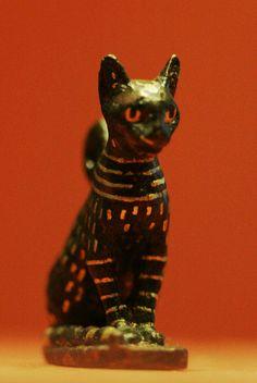 Cat amulet, Egypt, Third Intermediate Period, 1069 - 664 BC