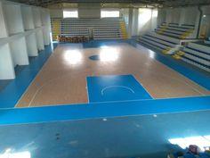 Le aree di gioco della pallacanestro e la fascia di rispetto perimetrale sono state verniciate di color celeste Fiba