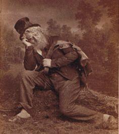 """Photographie de l'acteur Henrik Klausen dans le rôle de Peer lors de la première représentation en 1876 dela pièce de théâtre d'Henrik Ibsen """"Peer Gynt"""""""