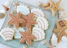 Very nice pin Beach Wedding Cookies beautiful-food Sugar Cookies Recipe, Cupcake Cookies, Cookie Favors, Owl Cookies, Heart Cupcakes, Seashell Cookies, Beaux Desserts, Summer Cookies, Spring Cupcakes