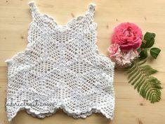 Hoje trago-vos um top em crochet. Como vão poder descobrir, é um top muito fácil de fazer e não requer muito material. Aprendam aqui todos os passos.