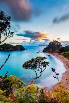 Summer Sunrise at Whananaki New Zealand [OC] [3648x5472] Beau_B https://ift.tt/2JOZcdm April 15 2018 at 08:15PMon reddit.com/r/ EarthPorn