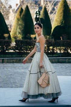 Paris Fashion Week Street Style Breaks All the Rules, So Outfits Just Got a Lot More Fun Paris Fashion, Fashion Show, Autumn Fashion, Beautiful Dresses, Nice Dresses, Dior Dress, Autumn Street Style, Haute Couture Fashion, Event Dresses