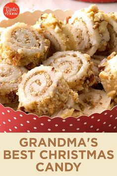 Gram always made the best sweets, including candy. Rediscover these tried and true candy recipes from Grandma this Christmas. Holiday Candy, Holiday Desserts, Holiday Baking, Holiday Recipes, Easy Christmas Candy Recipes, Homemade Christmas Candy, Christmas Candy Bar, Holiday Foods, Holiday Cookies