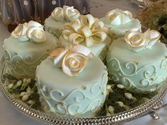 Mini cakes - gorgeous. Would be lovely for a christening...