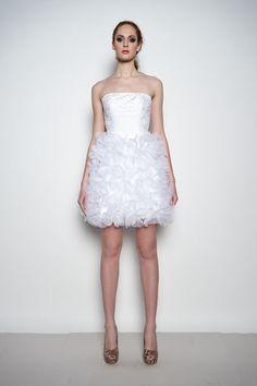 daisy - krótka suknia ślubna z koronką i aplikacjami - g-ac7sarzegqoq9-p7adig-626433