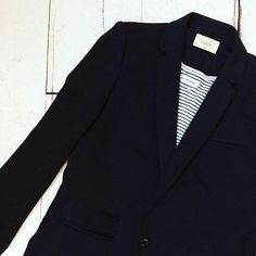 Bash jacket [size M] + Isabel Marant top [size S] #kolifleur #frenchstyle #secondhand #closetaffair 📷 by @weirdnomad