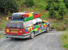 Oh yeah family car. jk i wanna range rover:D Lego Auto, Lego Car, Legos, Van Lego, Volvo 850, Lego Pictures, Lego For Kids, Volvo Cars, Legoland