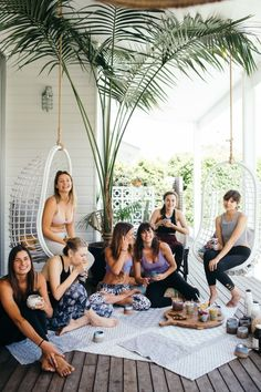 You could either begin at a nearby gym or yoga studio, or alternatively usage a DVD for home usage. Yoga isn't an exception. Yoga in an in-office sess. Yoga Studio Design, Yoga Studio Home, Yoga At Home, Meditation Benefits, Meditation Space, Yoga Meditation, Yin Yoga, Kundalini Yoga, Tulum