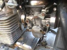How to diagnose carburetor vacuum leaks on your motorcycle