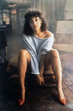 Jennifer Beals as Alex Owens from 'Flashdance' Jennifer Beals, Costume Halloween, Last Minute Halloween Costumes, Fashion Today, 80s Fashion, Fashion Trends, Fashion Ideas, Hollywood Fashion, Classic Hollywood