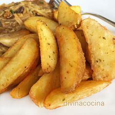 Las patatas gajo con especias se pueden preparar fritas y también al horno. Aquí están las dos elaboraciones para que las hagas a tu gusto.