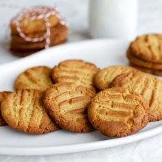Satisfy your sweet tooth with our best caramel recipes including easy slices, rich salted caramel sauce, no-bake cheesecakes, chewy biscuits and more. Biscuit Cookies, Biscuit Recipe, No Bake Cookies, No Bake Cake, Shortbread Cookies, Baking Recipes, Cookie Recipes, Dessert Recipes, Desserts