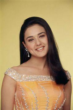 Preity Zinta: The Dimple Beauty of Bollywood Industry 98 P Bollywood Girls, Bollywood Stars, Bollywood Actress, Indian Celebrities, Bollywood Celebrities, Pretty Zinta, Sister Poses, Glamour World, Bollywood Designer Sarees