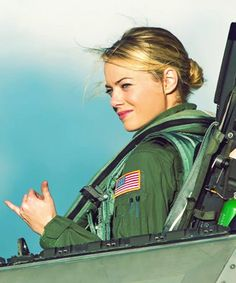 Why Was Emma Stone Cast To Play A Multiracial Character In Aloha? Female Pilot, Female Soldier, Ema Stone, Actress Emma Stone, Military Women, It Movie Cast, Fighter Pilot, Asian American, American Actress