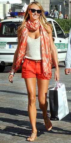 Evident that orange is the popular colour of summer, Stacy Keibler plays on casual elegance with citrus shorts and pretty tank, accessorized with her printed Sir Alistair Rai scarf and strapped sandals. Stacey Keibler, Popsugar, Style Me, Cool Style, Summer Scarves, Your Turn, Look Chic, Spring Summer Fashion, Summer Chic