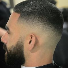 Fade Haircut Styles, Short Fade Haircut, High And Tight Haircut, Hair And Beard Styles, Short Hair Cuts, Curly Hair Styles, Barber Haircuts, Haircuts For Men, Faded Hair