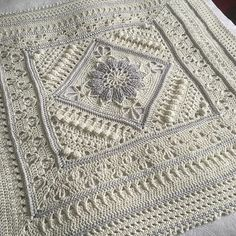 Charlotte is a large crochet square. Dense overlay stitches combine with more lacy parts to create a delicate, vintage feel.block pattern Ravelry: Project Gallery for Charlotte pattern by Dedri Uys It looks very classical in this color but this beaut Chunky Crochet, Knit Or Crochet, Crochet Granny, Baby Blanket Crochet, Crochet Crafts, Crochet Baby, Crochet Projects, Free Crochet, Crochet Blankets
