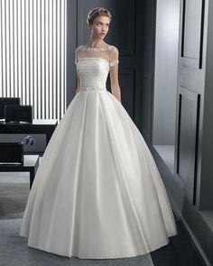Immagine di http://www.cafeweb.it/wp-content/gallery/catalogo-abiti-da-sposa-2015-rosa-clara-collezione-two/Rosa-Clara-bridal-2015-collezione-Two-Abito-romantico-gonna-ballgowns.jpg.
