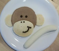 Fun funny kids breakfast idea! Monkey pancakes! 50+ DIY crafts and projects on I Heart Nap Time