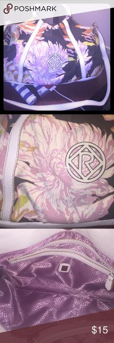 Relic Shoulder Hobo Shoulderbag Relic Floral Print Shoulder Bag in excellent condition! Multiple compartment beautiful pink interior lining! The only flaw with this bag is 3 small faded spots on the lower left front corner of the bag *see photos * and 2 on the back which you can hardly see. I have reduced price because of this. Relic Bags Shoulder Bags