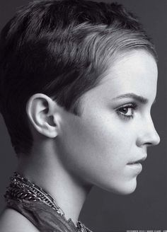 wow...emma watson cut her hair after her contract not to do so ran out...think i like it