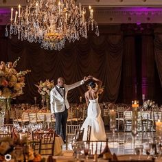 Gorgeous decor and even more gorgeous couple. Loving this moment captured by @melissakellyphoto! Wedding planned by our coterie member @kgweddings | #munaluchi #munacoterie #munaluchibride #phillyweddings