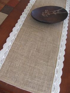 Idea-burlap & lace table runner Simple but will look very cute with centerpieces Burlap Projects, Burlap Crafts, Diy Craft Projects, Sewing Projects, Burlap Lace Table Runner, Lace Runner, Wedding Table Centerpieces, Love Sewing, Mug Rugs