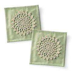 crochet doily coasters http://www.felissimo.co.jp/kraso/pot/v2/cfm/products_detail001.cfm?GCD=I73243&GWK=3639&iid=p_fc_000000_SCH&wk=60125