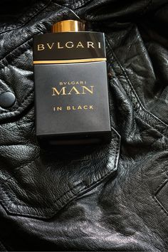 A sensual, neo-Oriental Eau de Parfum. A daringly charismatic fragrance, expressing a new statement of masculinity. Dedicated to tremendously seductive men. Perfume Hermes, Perfume Versace, Perfumes Top, Bvlgari Fragrance, Bvlgari Man Perfume, Bvlgari Man In Black, Best Perfume For Men, Black Perfume, Expensive Perfume