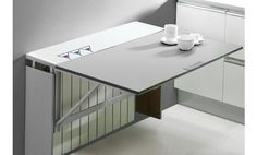 Mesa cubre radiador Single Radia, en un elegante acabado.