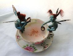 Teacup Fairies. OMGosh.. they are just like Nissa from Watchman's Oath. Totally Cool. I need to get some of these. :D