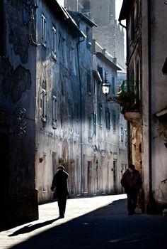 Pitigliano, Italy www. Italy Vacation, Italy Travel, Watercolor Landscape, Landscape Paintings, Watercolour, Urban Photography, Street Photography, Toscana Italia, Italy Street