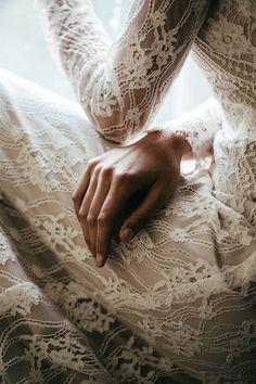 Moody, sensual wild-spirited bridal shoot via Magnolia Rouge, Photo by Petra Veikkola