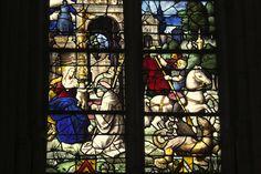 Katholische Kirche Sainte-Foy in Conches-en-Ouche, Eure (Haute-Normandie-Frankreich), Bleiglasfenster hl. Georg (rechts)