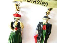 vintage Oktoberfest brooch -classic German costumes, dirndl & lederhosen