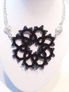 Collier fantaisie dentelle. Bijoux collier frivolité. : Collier par atelier-frivole