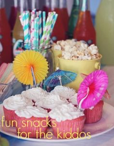 Summer Party Food - This post has great, cheap ideas for hosting a bright summer party.