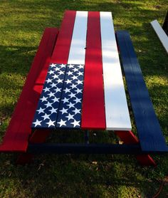 My Patriotic Picnic Table I made. Love the American Flag! - America Flag - Ideas of America Flag Patriotic Crafts, July Crafts, Patriotic Party, Americana Crafts, Patriotic Flags, Country Crafts, Painted Picnic Tables, Flag Painting, Fence Painting